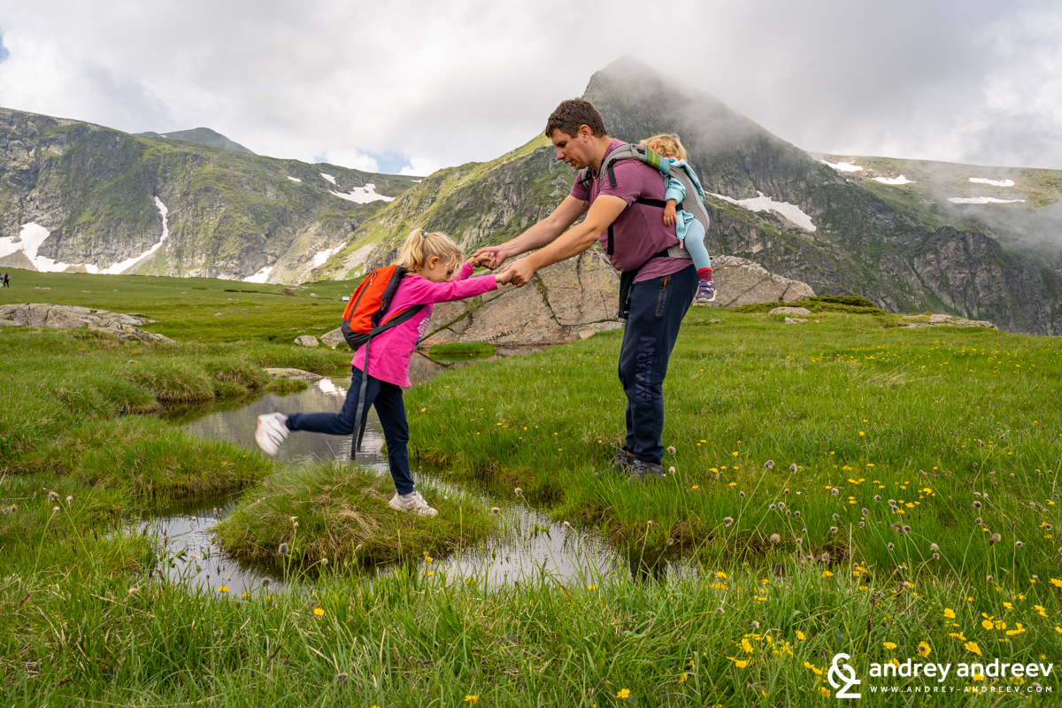Andrey, Anna and Adriana on the path to Seven Rila Lakes