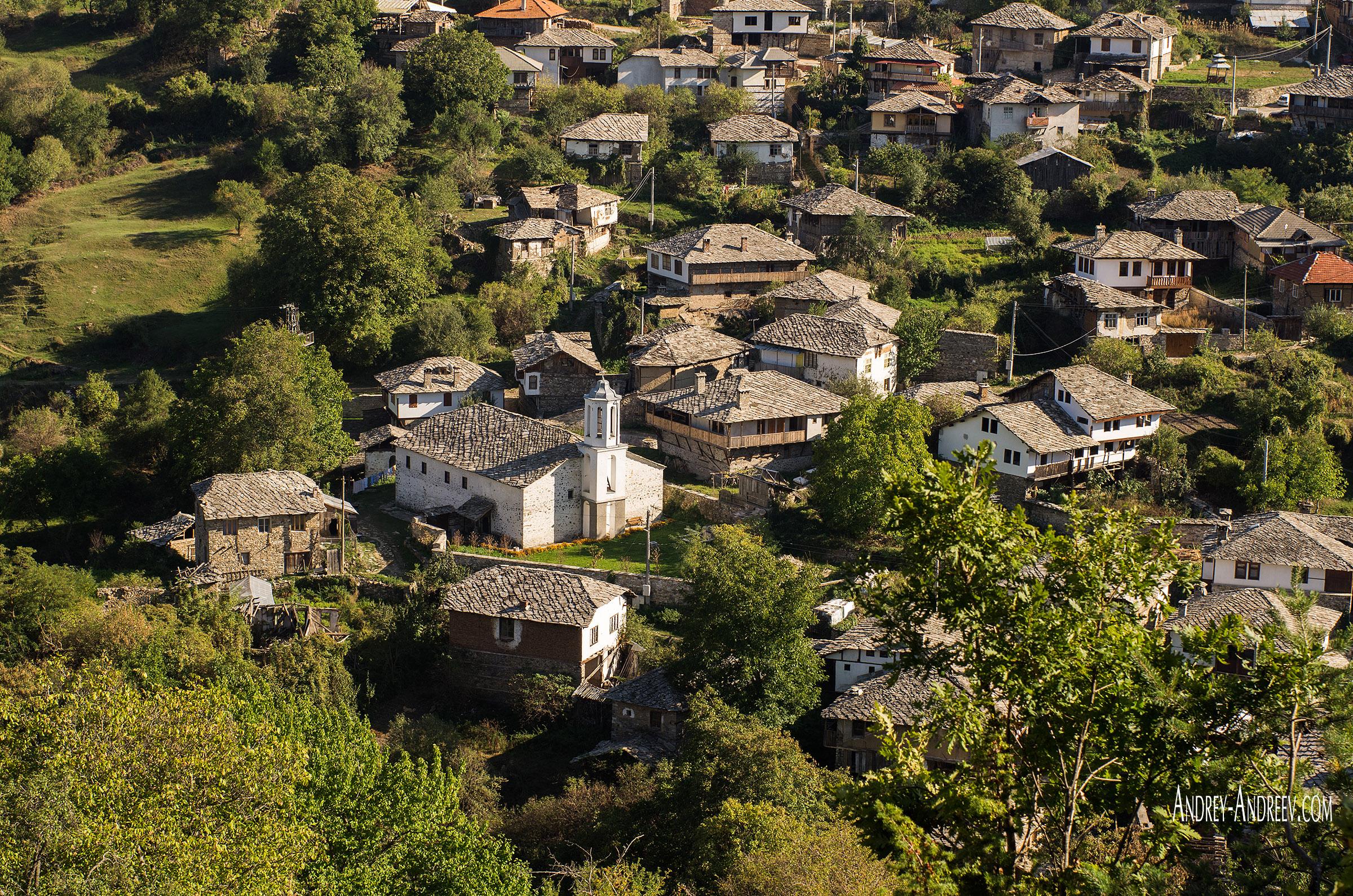 Изглед на село Долен