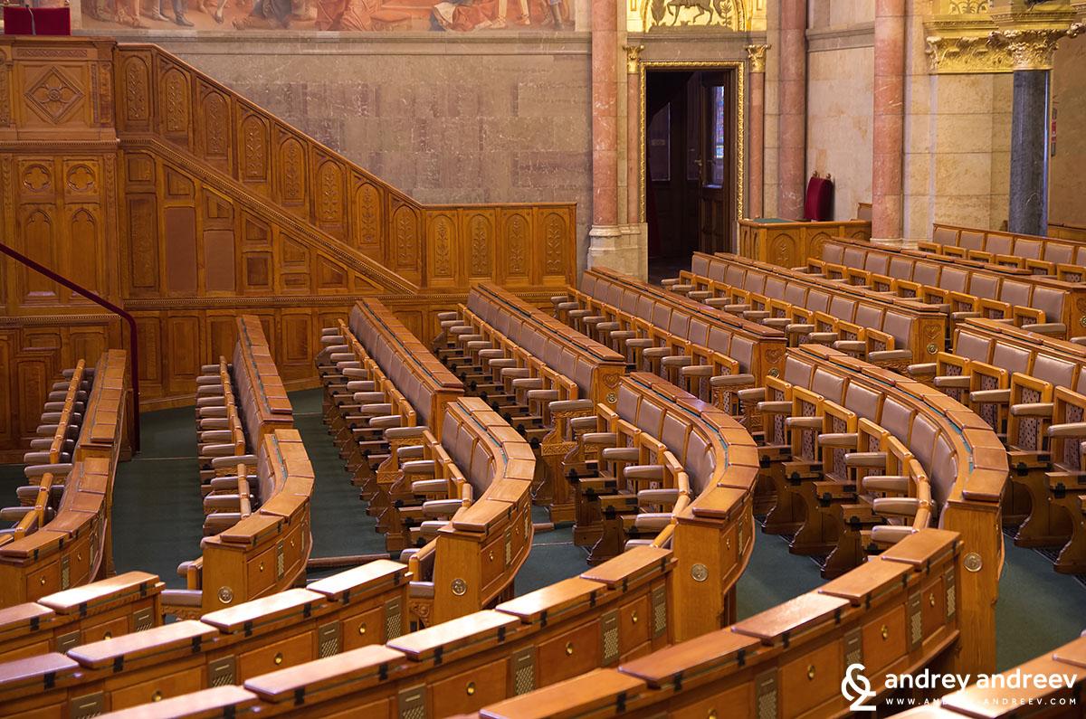 Заседателната зала в Унгарския парламент