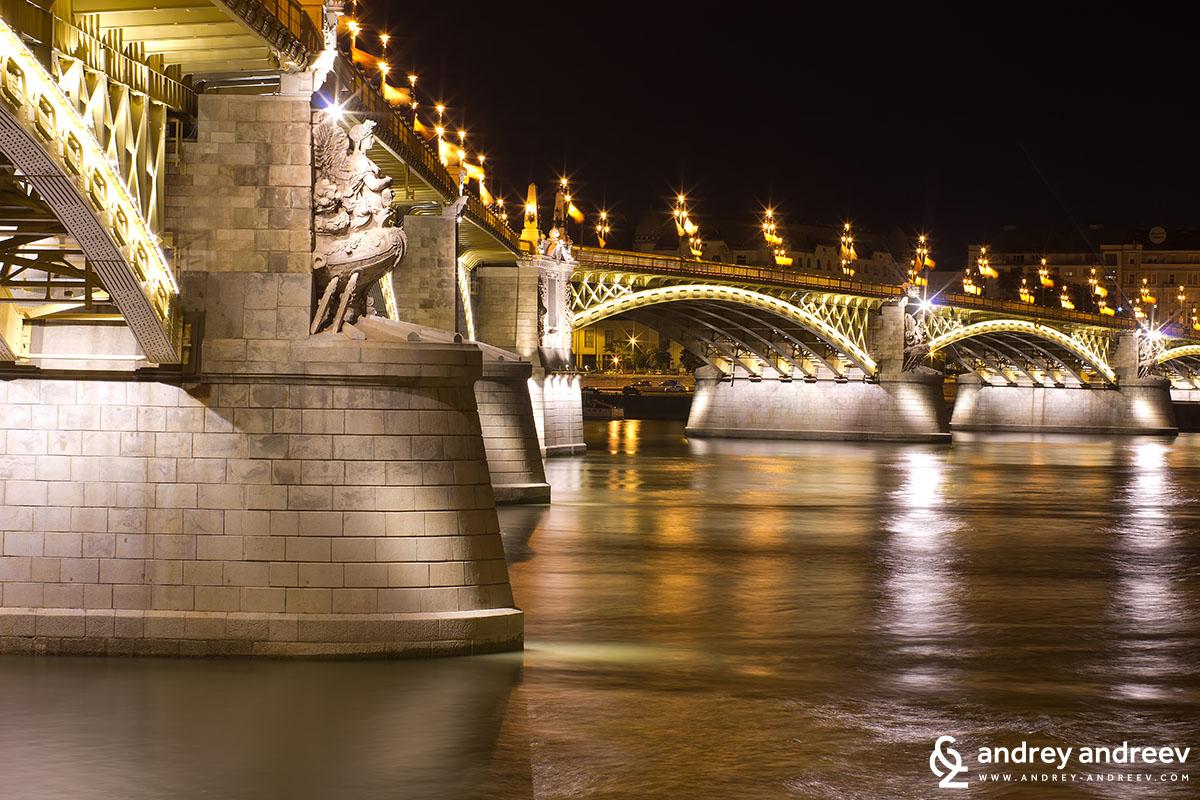 Чупката на моста Маргарет