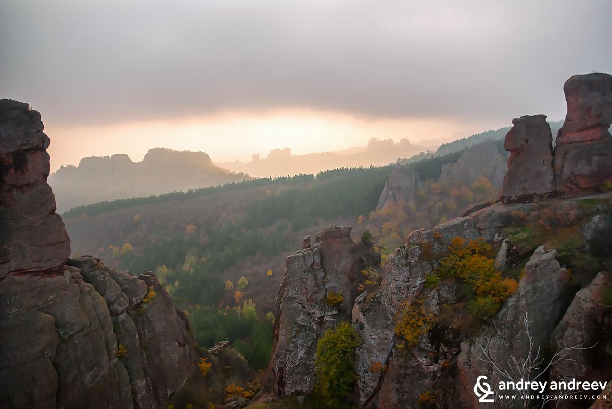 Белоградчишки скали - една от най-големите забележителности в Северозападна България