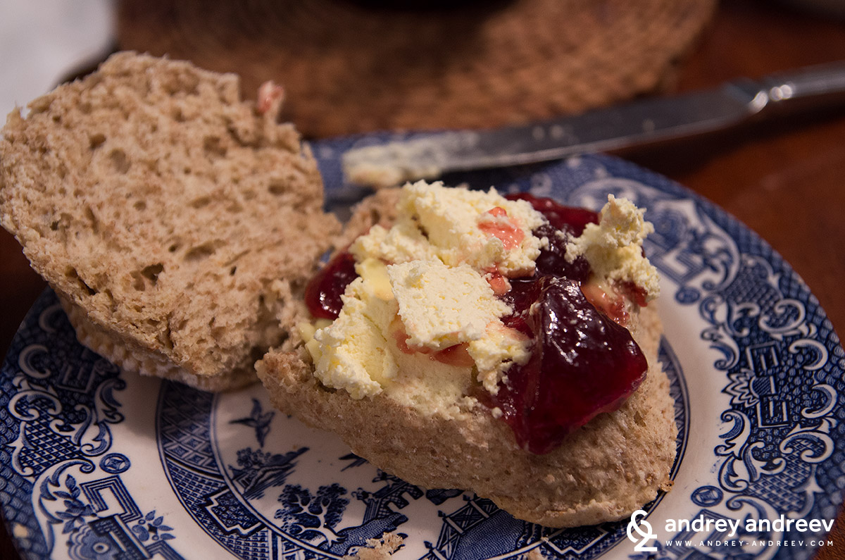 Вкусни курабийки със сметана и сладко, иначе казано - scones