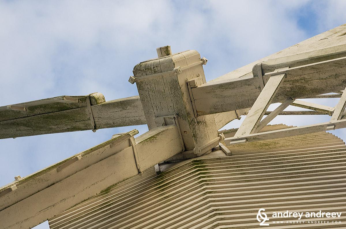 The windmill / Вятърната мелница