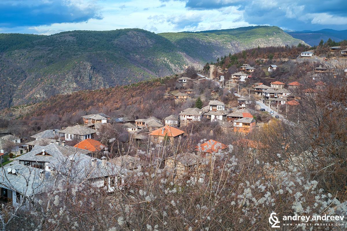 Село Лещен, панорамна гледка
