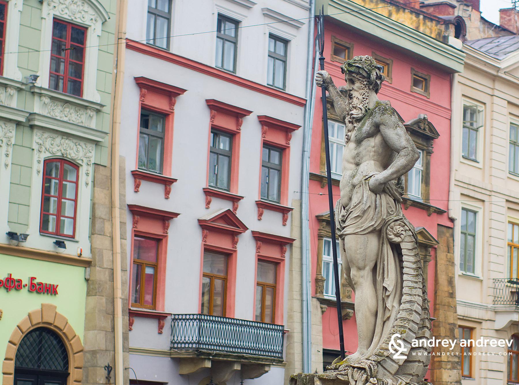 Прозорците на площад Ринок в Лвов Украйна