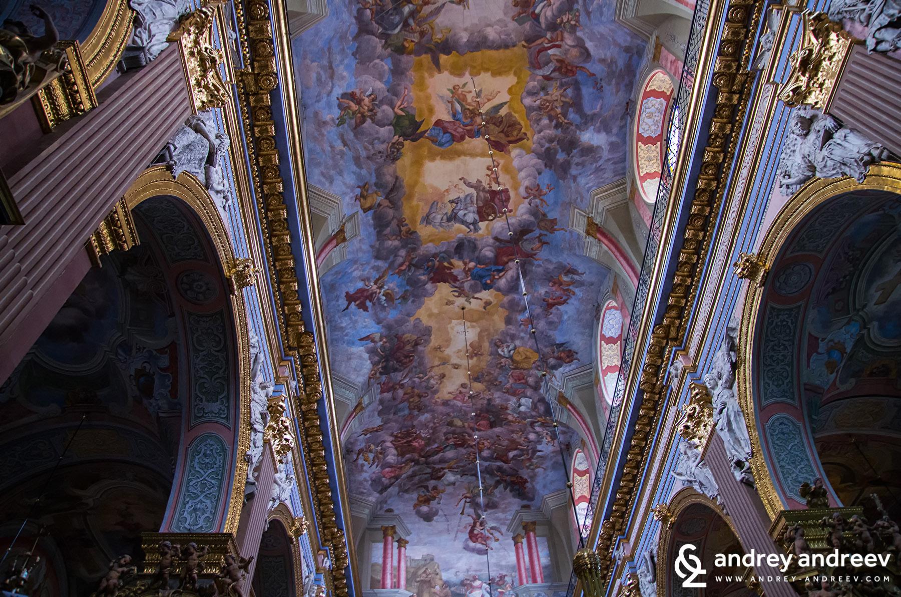 """църквата """"Св. Андрей"""" в Лвов, Украйна"""