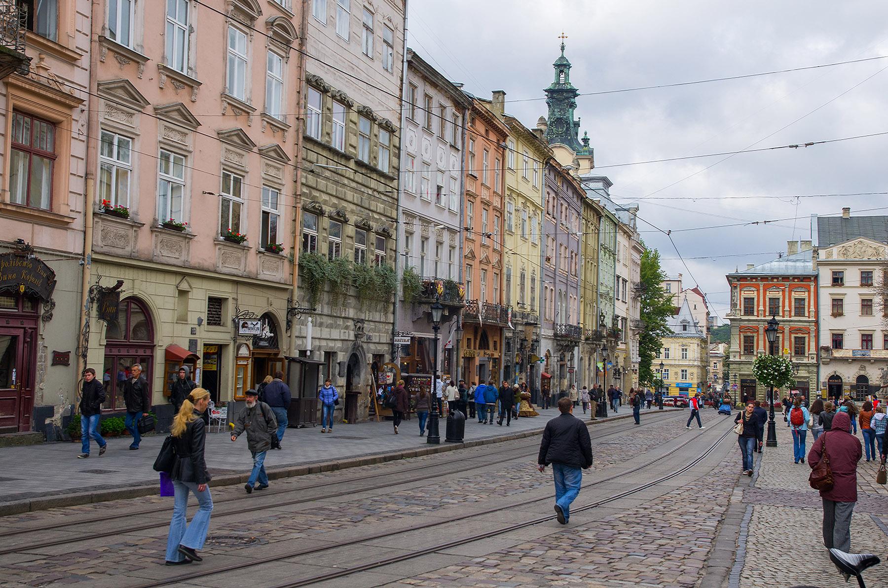 Лвов, Украйна - трамвайни релси в центъра 2