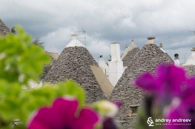 Цветя и трули в Алберобело, Италия, интересни места в Италия, интересни села в Италия, забележителности в Пулия