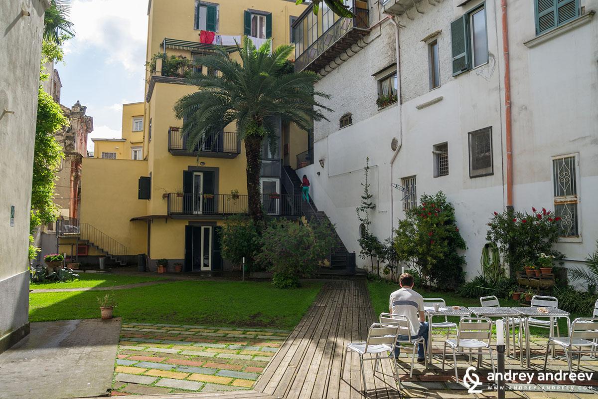 Хостел в Неапол 3