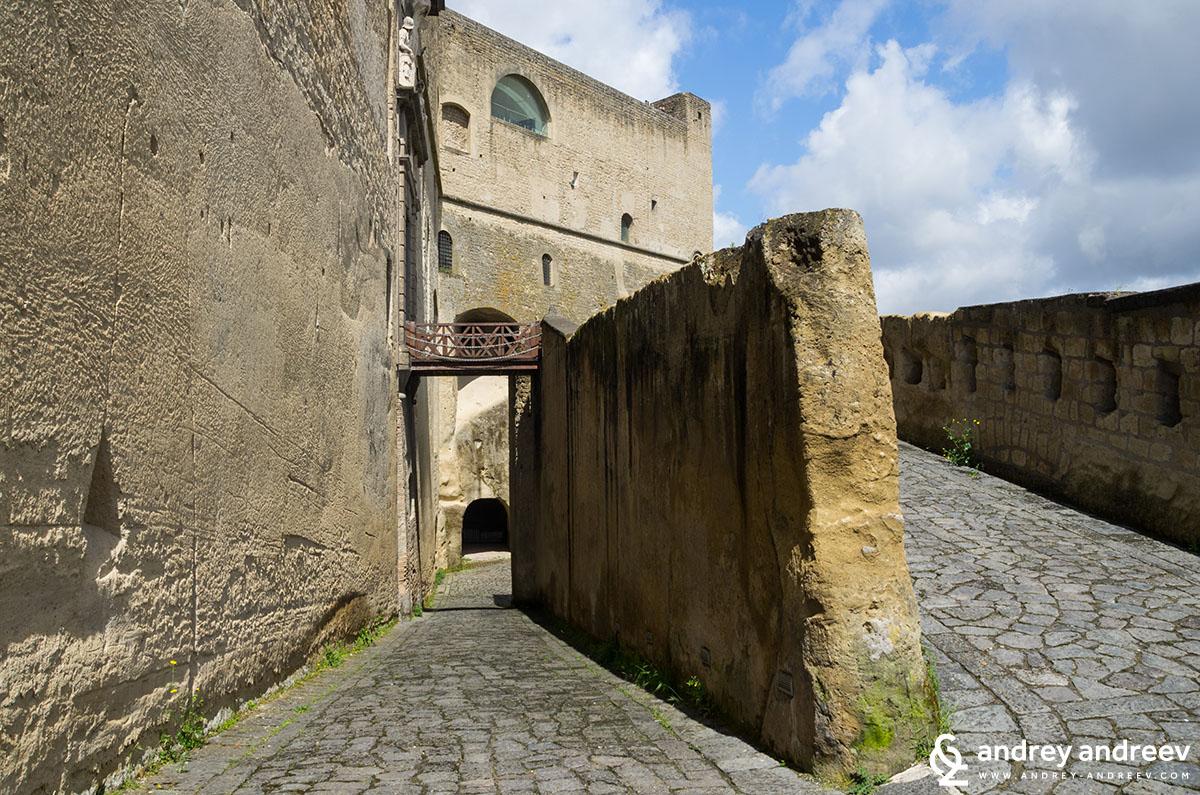 Замъка Св. Елм Неапол, Италия