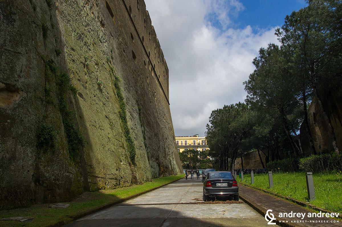 Неапол, Италия - Св. Елм