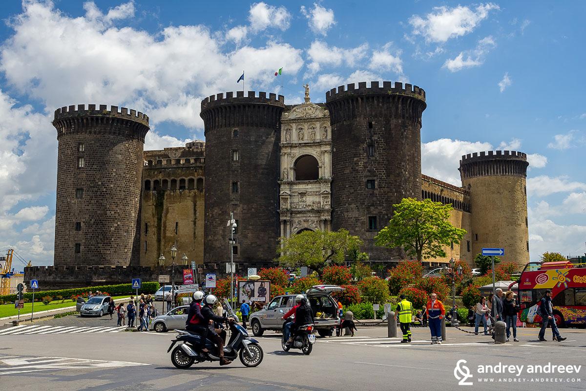Castel Nuovo Неапол, Италия