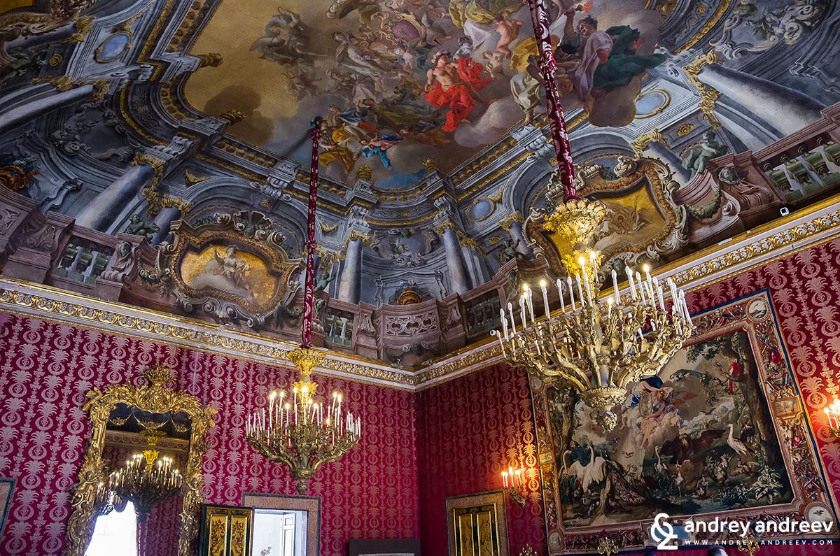 Неапол, Италия - Palazzo Reale