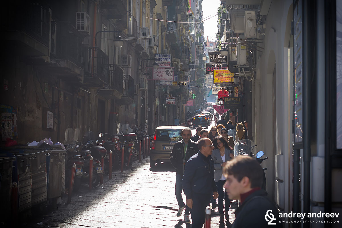 Busy narrow streets in Naples