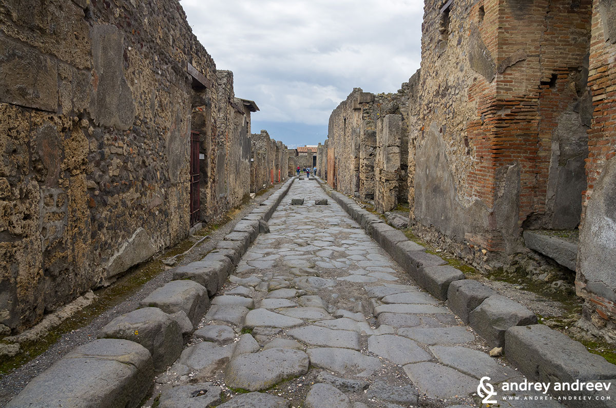 Streets of ancient Pompeii