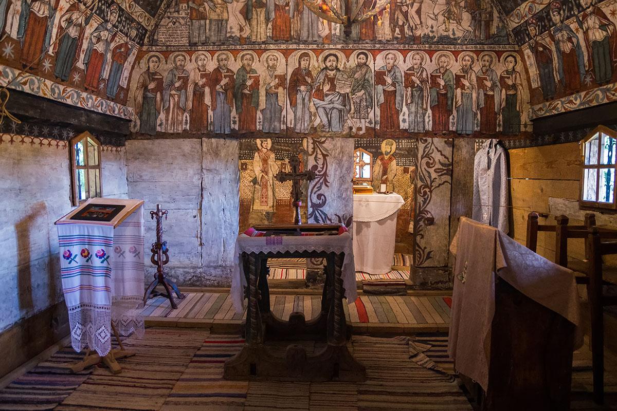 Невероятна дървена църква