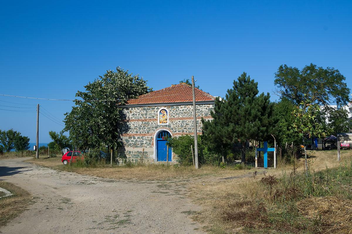 Църквичката в село Синеморец