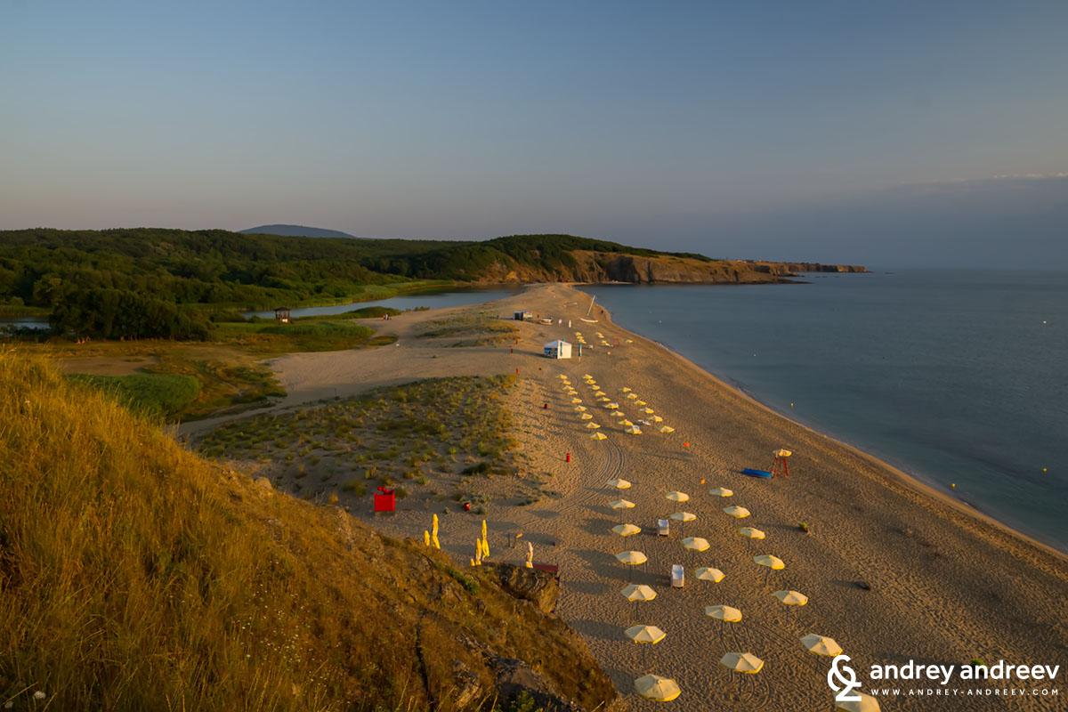Плажът Велека