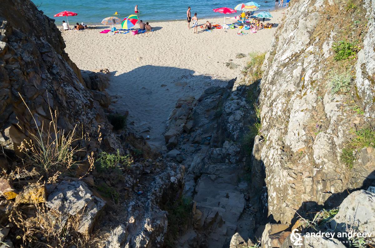 Пътеката към другите плажове