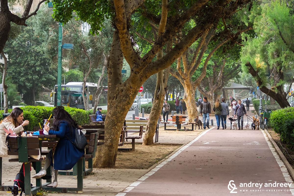 Dizengoff street 2, Tel Aviv, Israel
