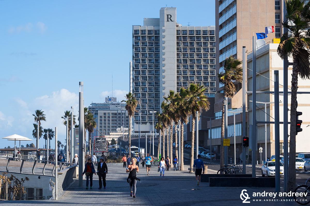 Край брега в Тел Авив
