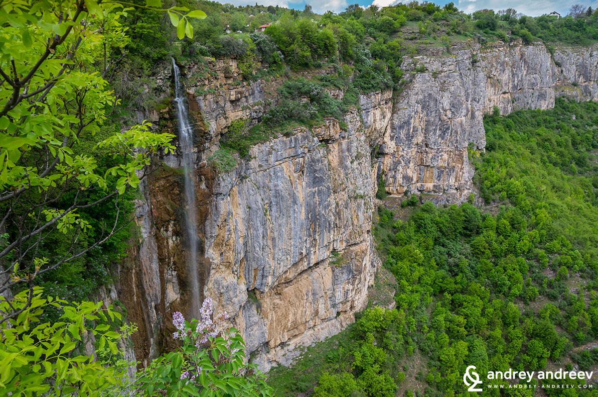 Skaklia Waterfall the end of Vazova eco-path