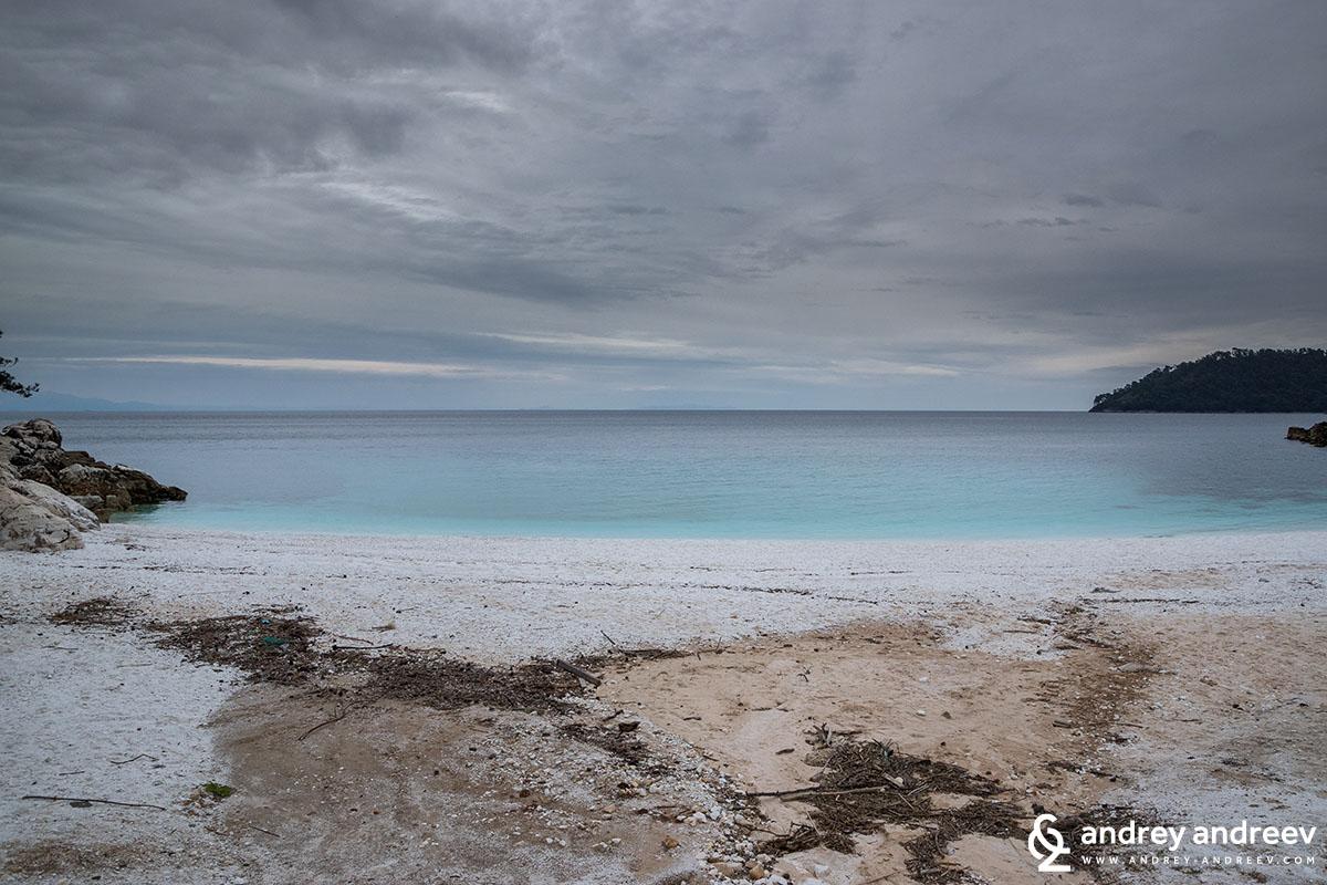 Мраморният плаж - Салиара