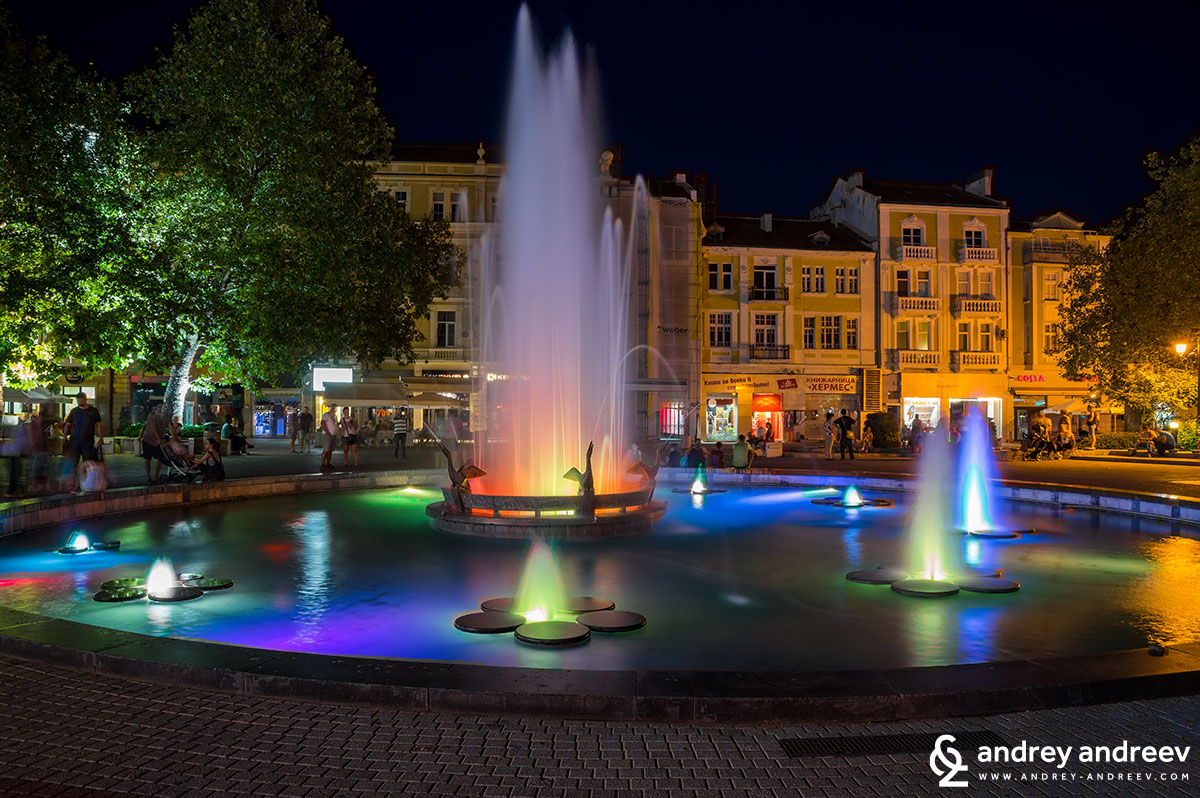 """Kopchetata"" (The Buttons) fountain in central Plovdiv"