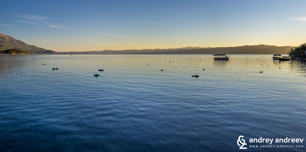 Охридското езеро по залез