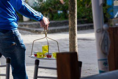 Кафето - Това сега ракия или лимонада е?