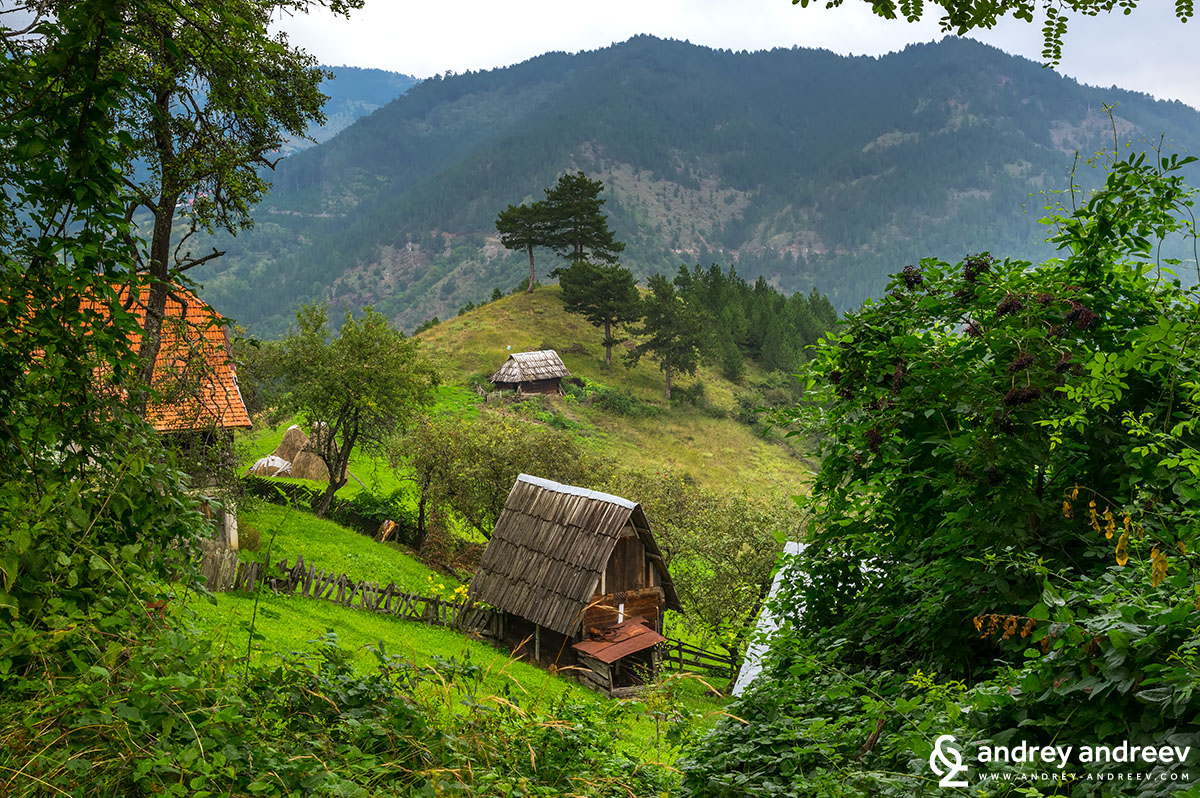 Селски къщи в Сърбия