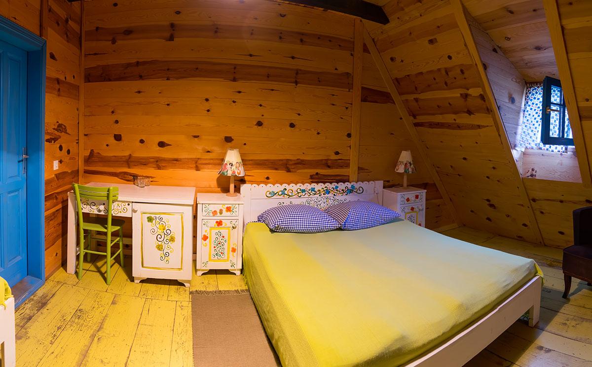 Стаята ни в Дървения град