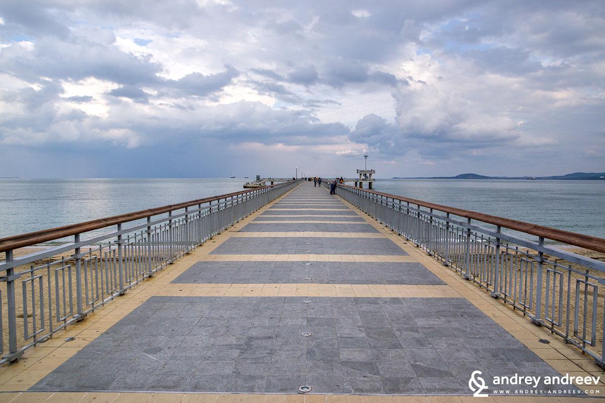 The pier in Burgas