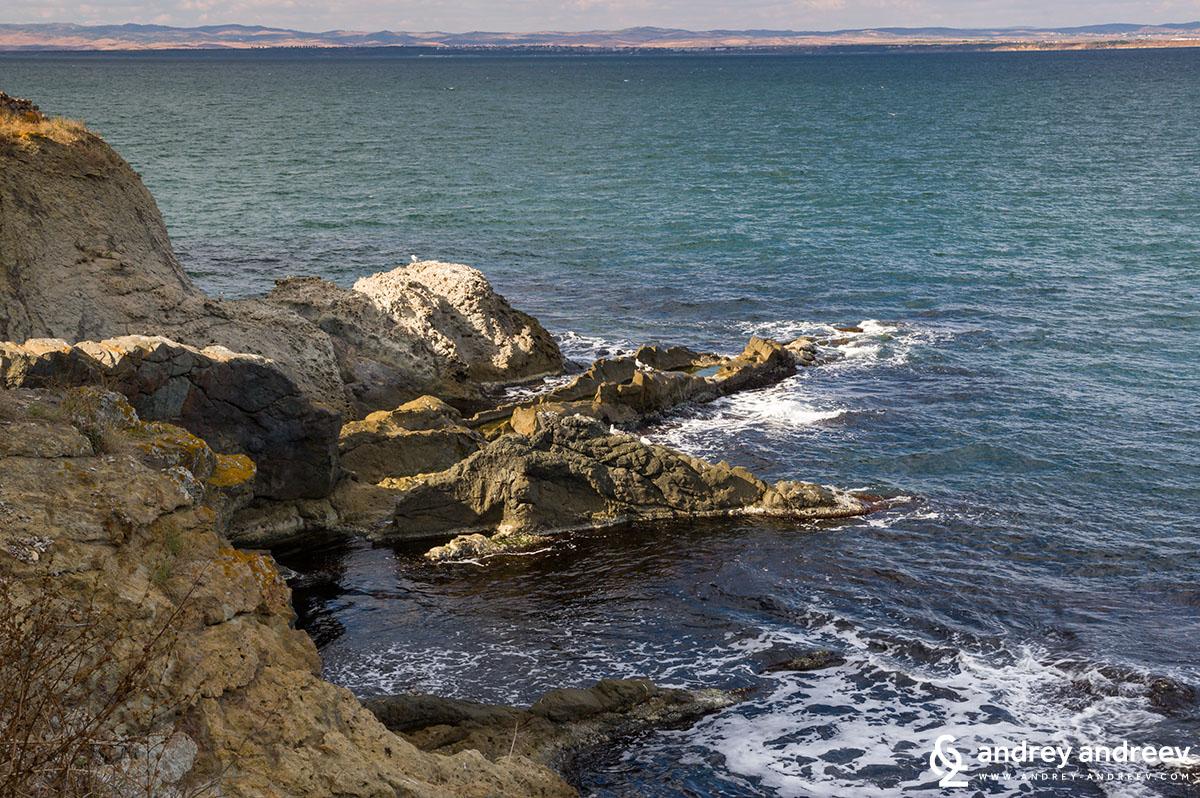 Скалите край остров Света Анастасия