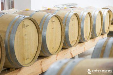 Изба на винарна Орбелус - винарни в България, винарна в България, посещение на винарна, винен туризъм