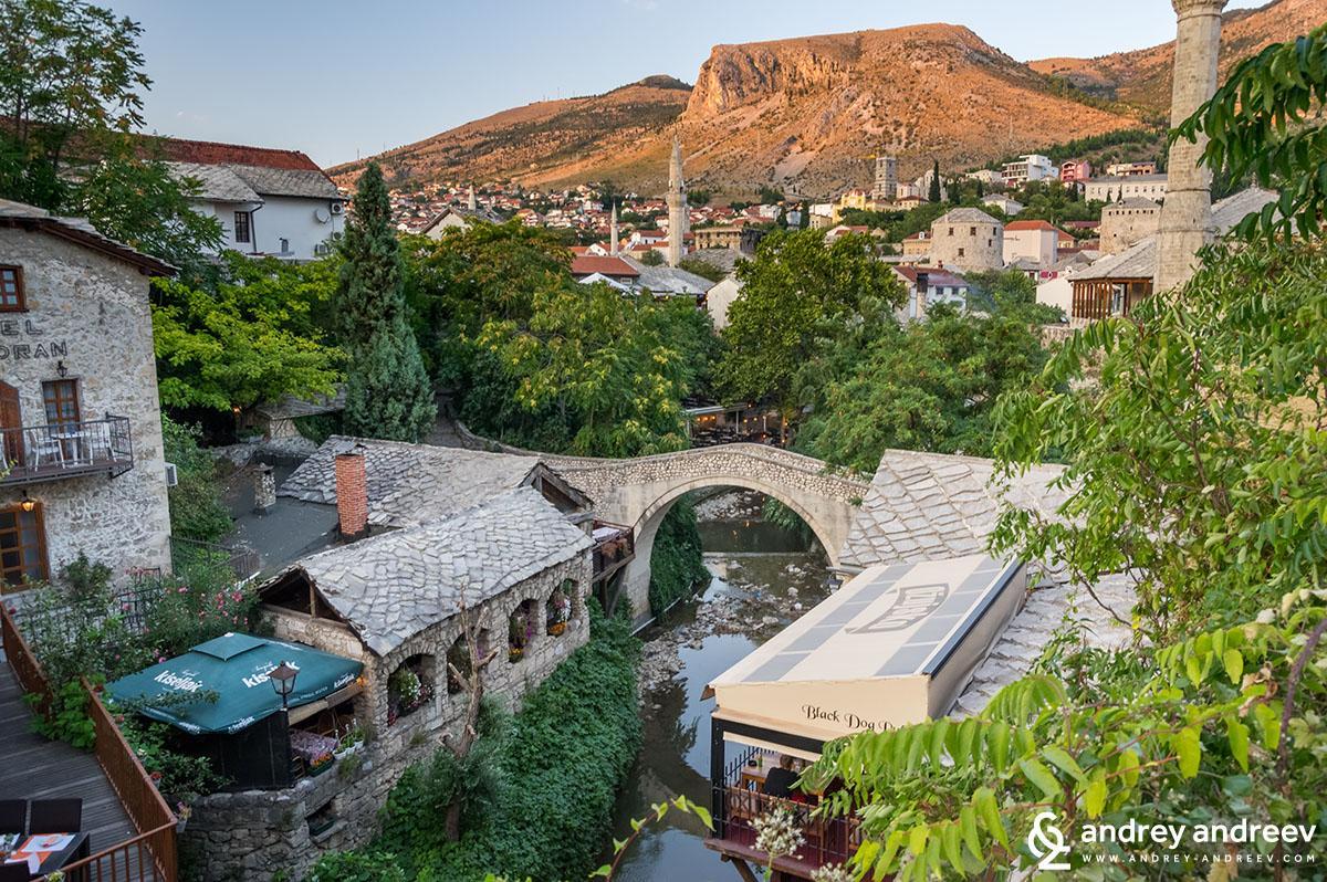 Kriva Ćuprija (Кривият мост) в Мостар, Босна и Херцеговина