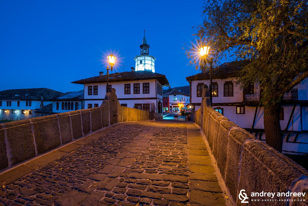 Стария мост и часовниковата кула в Трявна