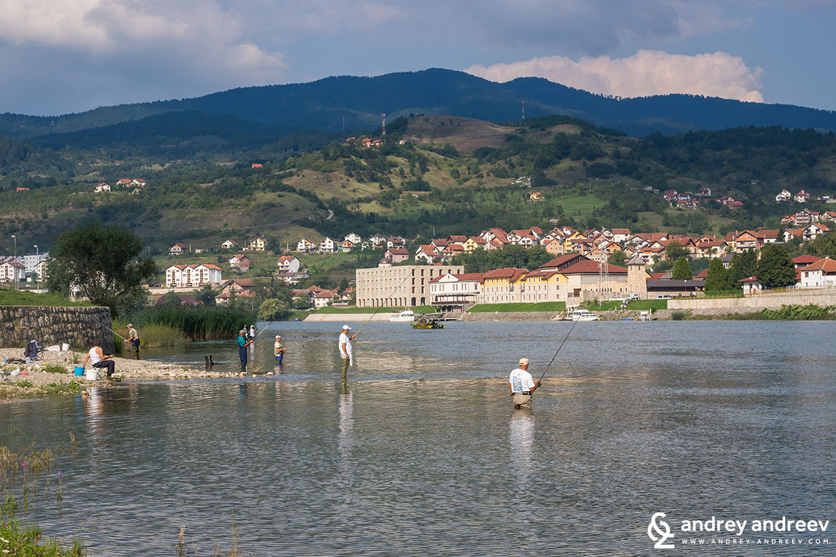 Fishermen on Drina river, The bridge on Drina
