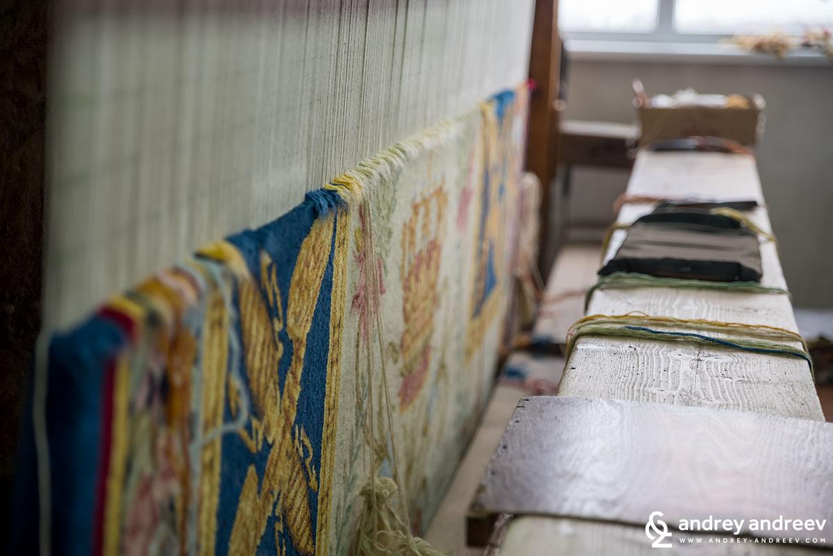 Из фабриката за килими в Костандово