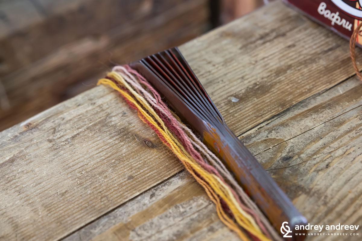 Инструмент за тъкане на килими в Костандово