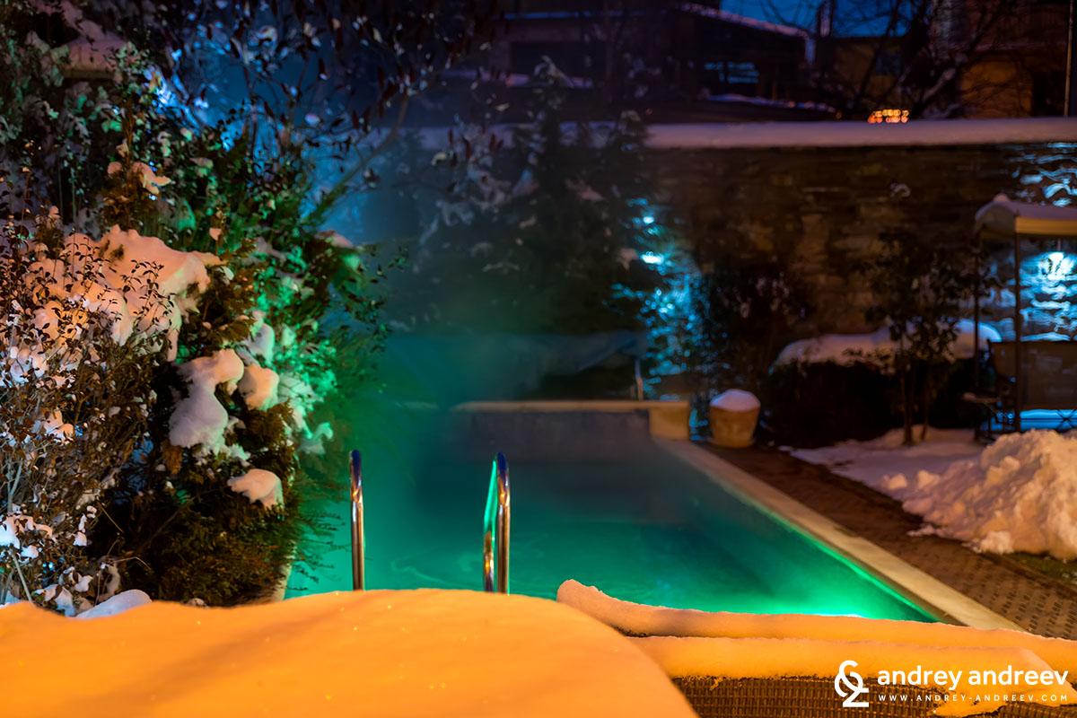 Вила Вучев басейн и сняг