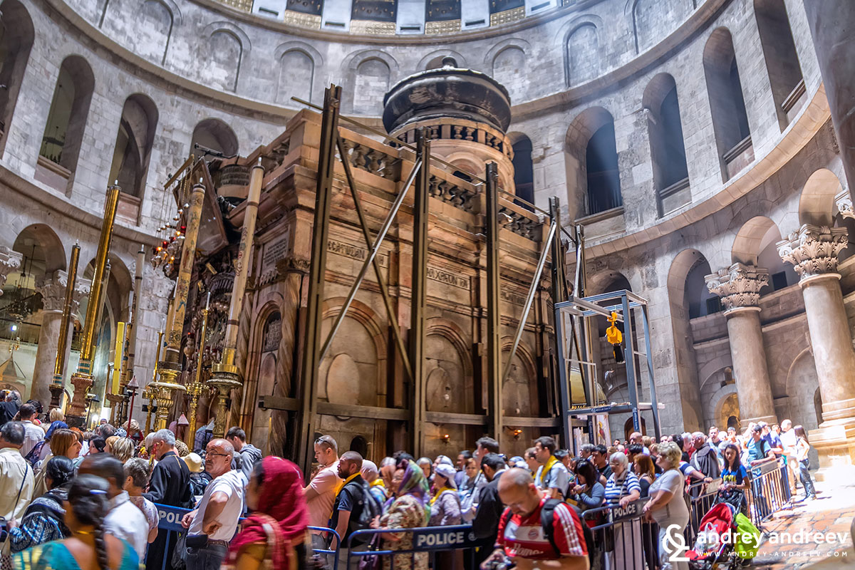 The Aedicule with the Tomb of Jesus, Church of the Holy Sepulchre, Jerusalem