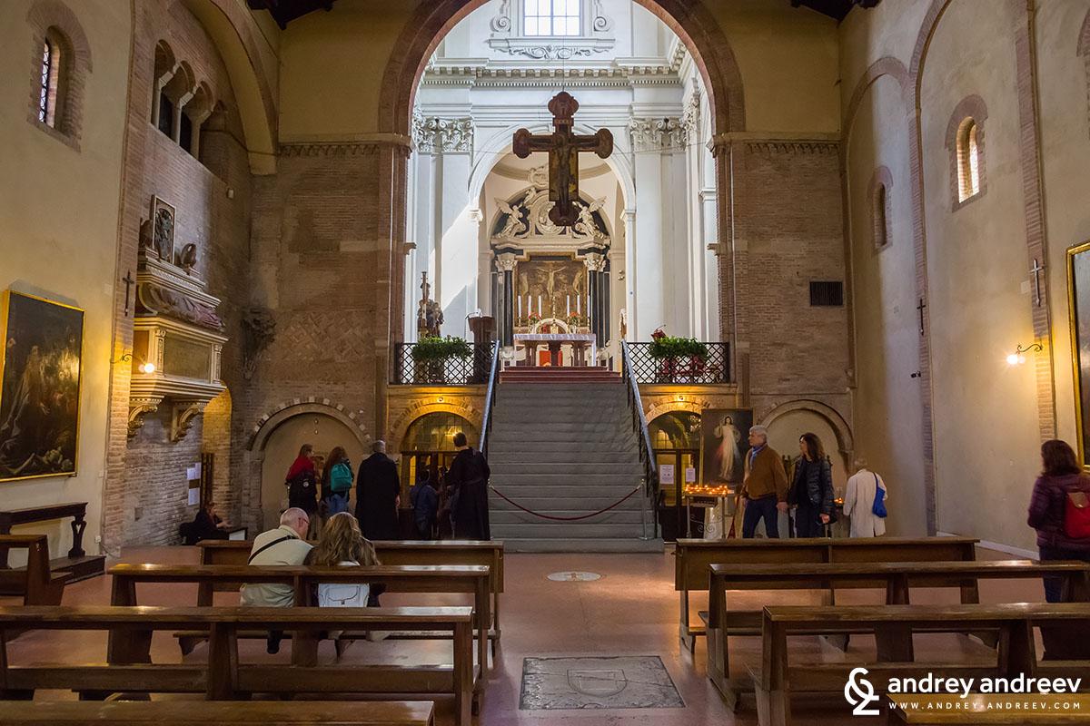 """""""Седемте Църкви"""" -църквата Свети Стефан в Болоня"""