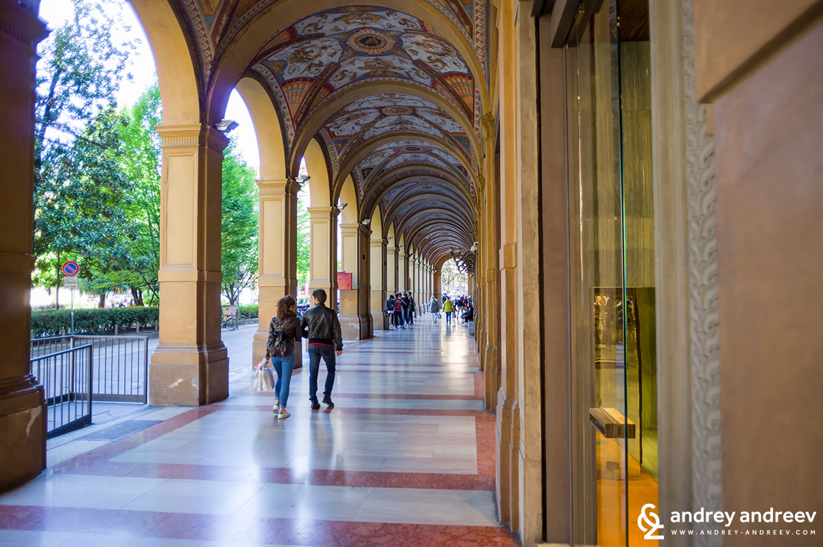 Porticoes - one of our favourite Bologna attractions
