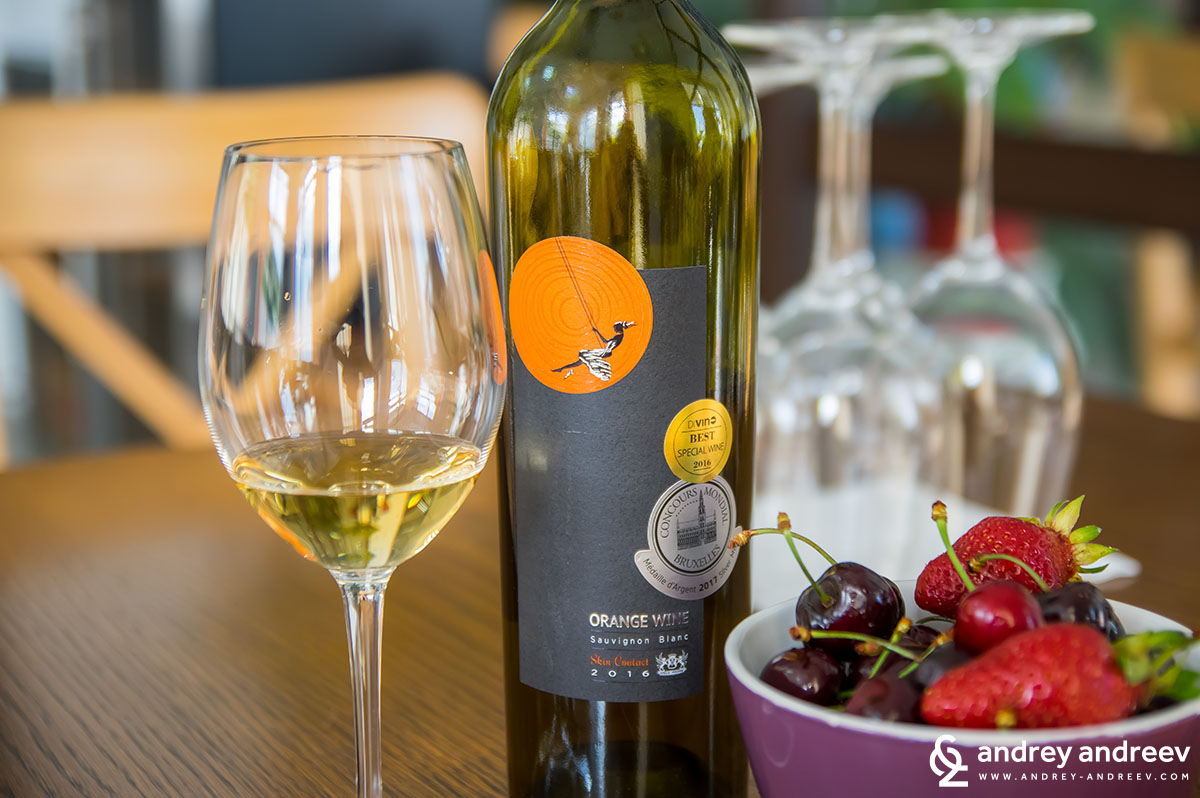 Villa Melnik's orange wine