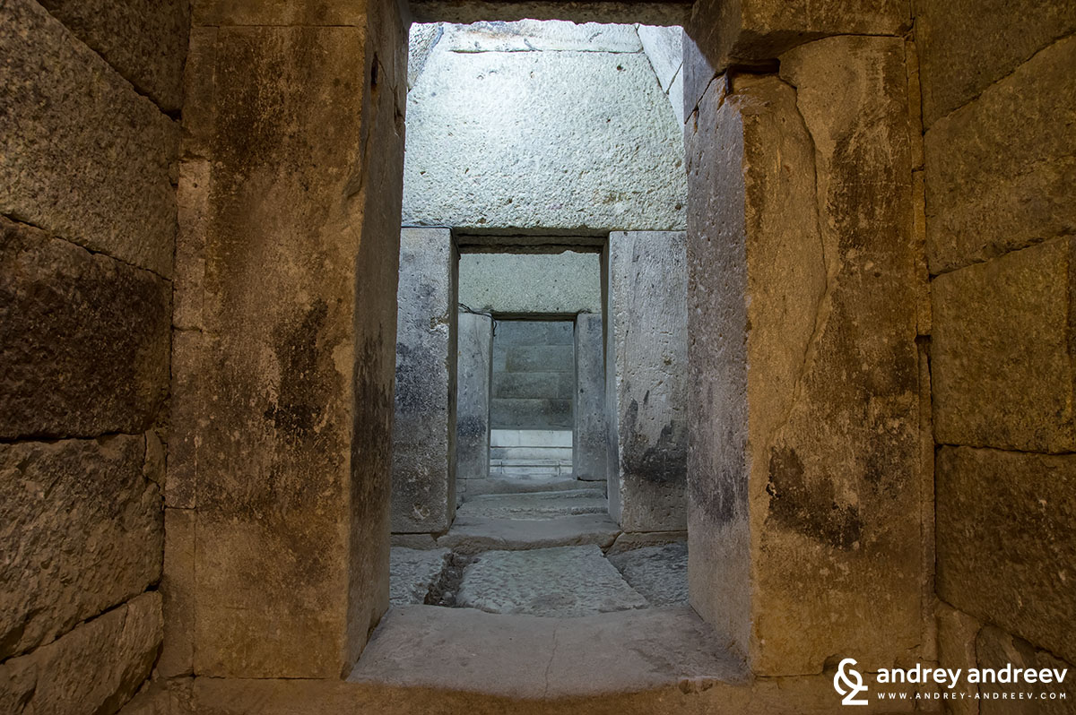 Vestibules of the Mezek Thracian tomb