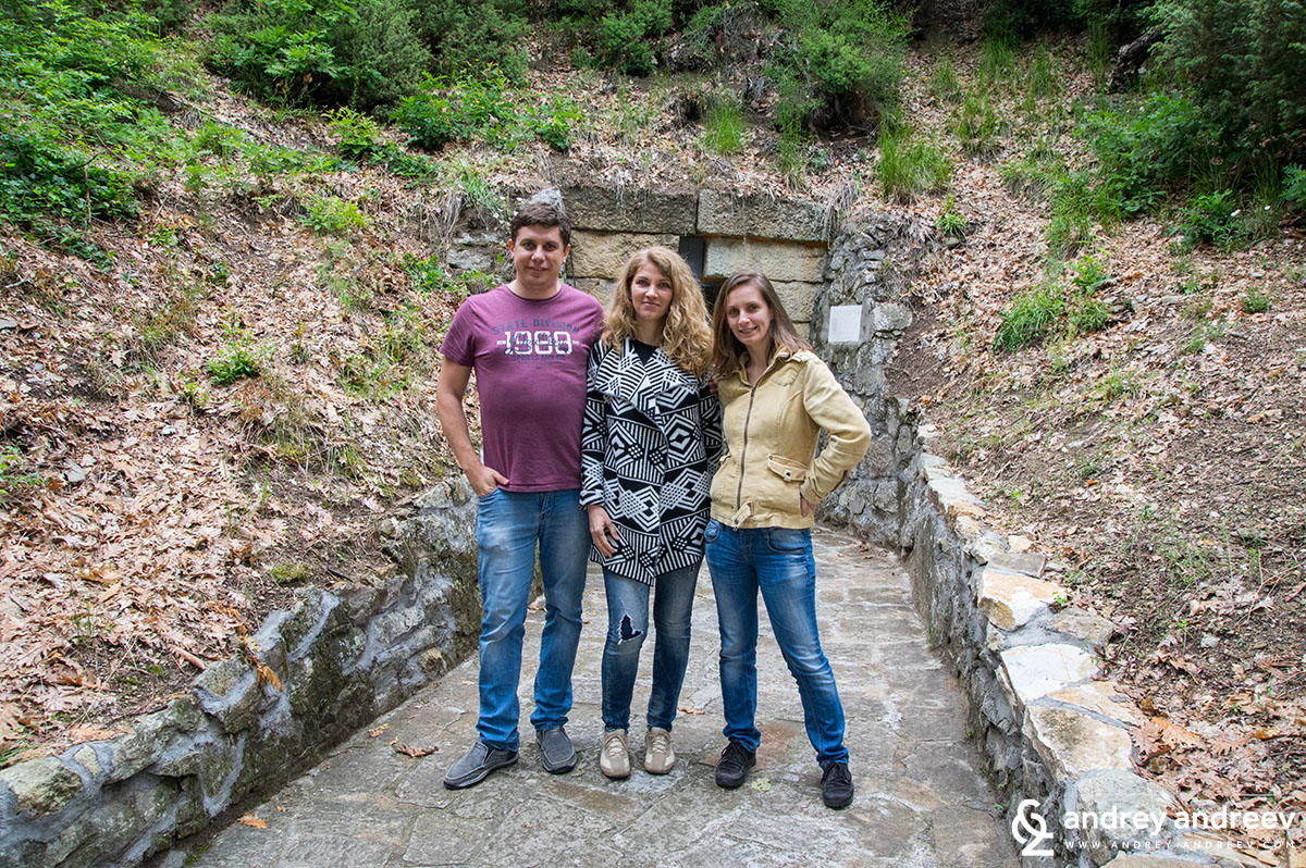 Me, Geri and Mimi before the entrance of the Mezek Thracian tomb