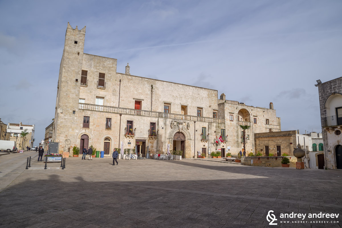 Пиаца дел Пополо в Спекиа