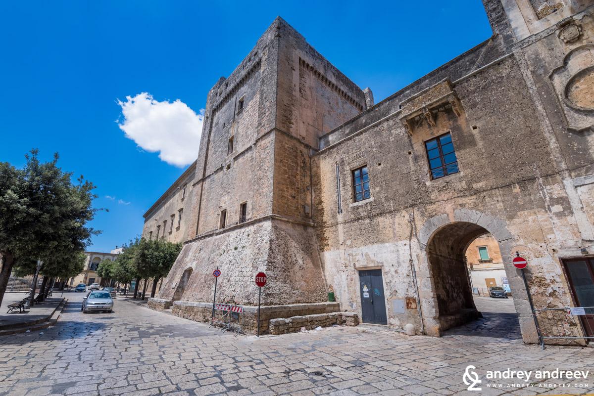 Дворецът в Триказе - Palazzo Gallone.