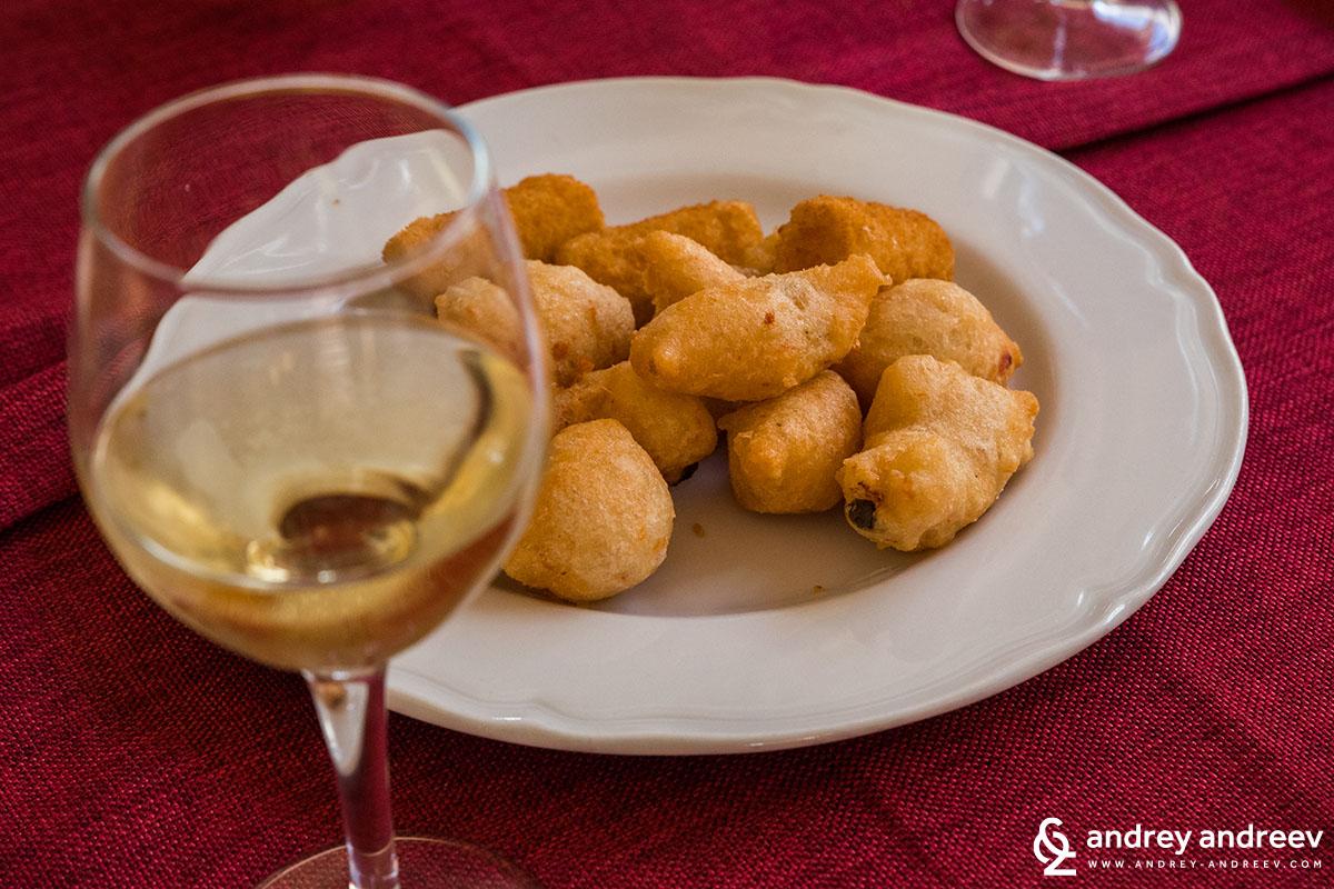 Картофени крокети с вино
